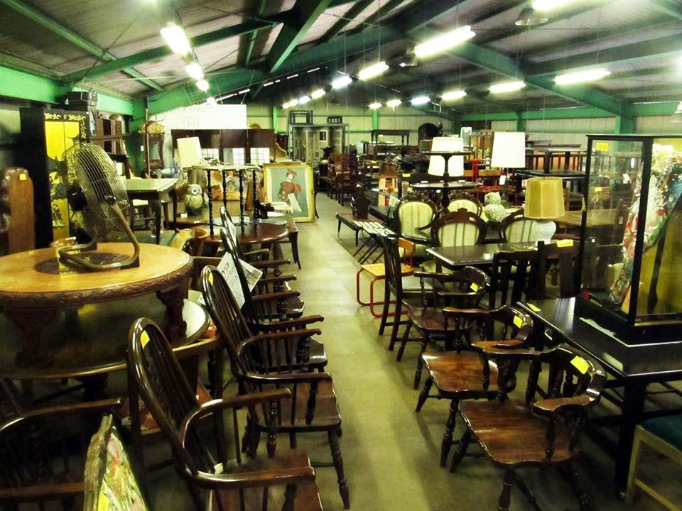 松本民芸、九州民芸、北海道民芸の家具、多数あります!