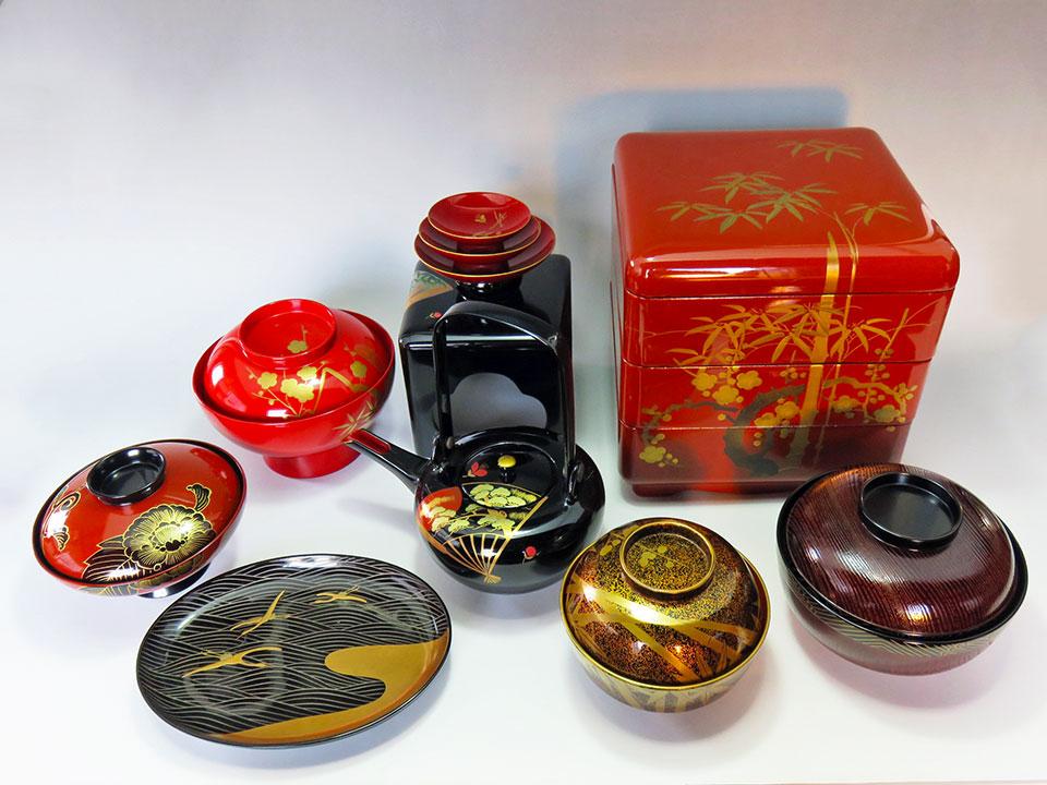 伝統工芸、日本の漆器多数入荷しました!! 世界遺産「和食」の装いにふさわしい「料理の着物」です!!