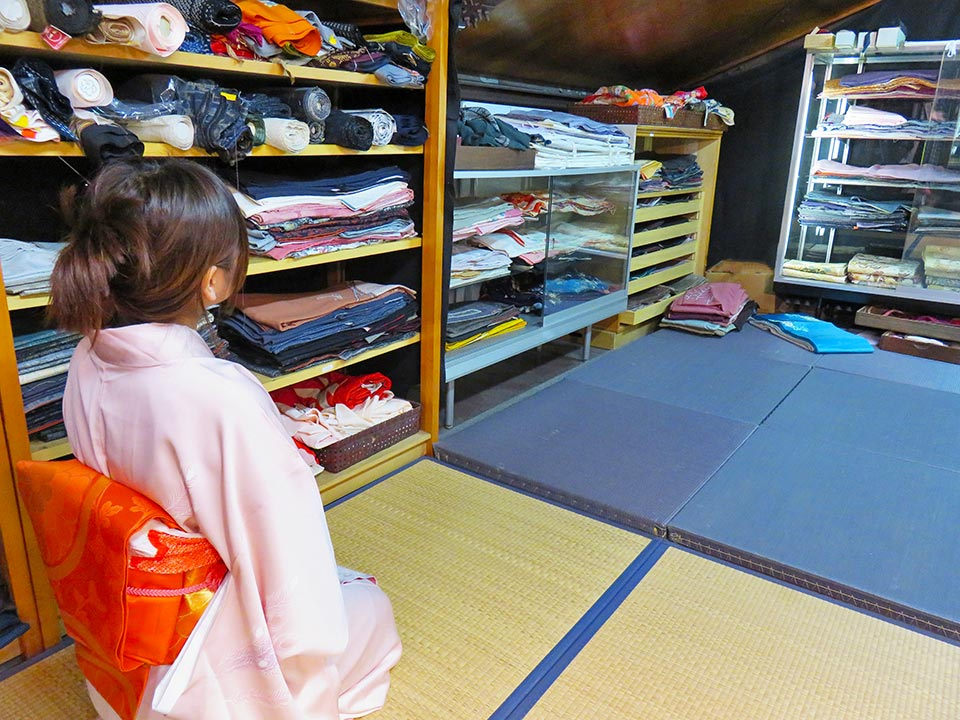 日本の伝統、着物文化、観光の目玉に!インバウンドに!舞台芸能接客普段着何でもありです!