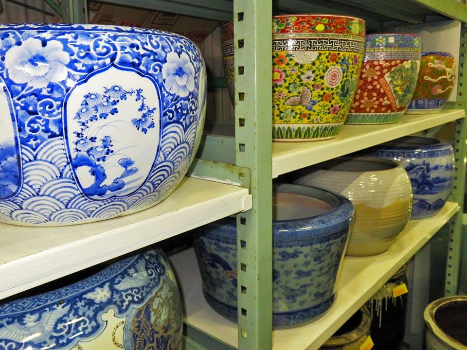焼物(陶磁器)の火鉢も多数あります!色絵、染付、金襴手、手あぶり、ノリタケ、種類も様々!
