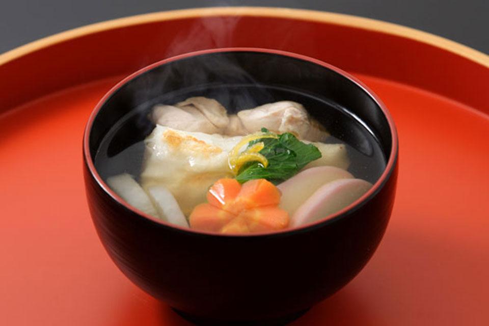 雑煮椀、吸物椀、塗盆、重箱など、日本のお正月に欠かせない漆器、多数あります!
